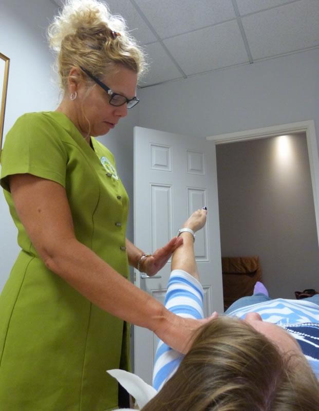 muscle testing Kinesiology - Karen's Infinite Health